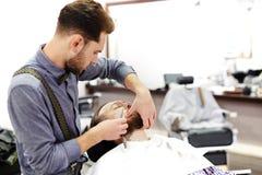 Брить бороду клиента Стоковое фото RF