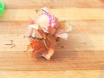 Брить карандаша деревянный на деревянной предпосылке Стоковые Изображения RF