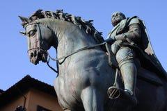 Бронзовая конноспортивная статуя Cosimo Я de Medici великий князь Тосканы на della Signoria аркады в Флоренсе, Тоскане, Ital Стоковая Фотография RF