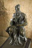 Бронзовая скульптура экземпляра Моисея Микеланджело Стоковые Фотографии RF