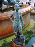 Бронзовая статуя в фонтане, Площади de Ла Virgen, Валенсии, Испании Стоковое Фото