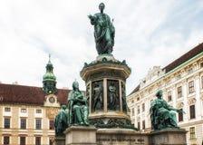 Бронзовая статуя Фрэнсиса я одел как римский император Стоковое Фото