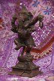 бронзовое ganesha танцы стоковые изображения