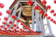 Бронзовое Guan Yin виска Kek Lok Si Стоковые Фотографии RF
