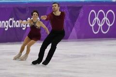 Бронзовые медалисты Meagan Duhamel и Эрик Radford Канады выполняют в парах катаясь на коньках свободно катающся на коньках на 201 Стоковые Изображения RF