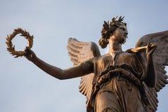 Бронзовый ангел статуи победы Стоковые Изображения RF