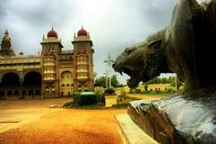 бронзовый индийский дворец льва Стоковая Фотография