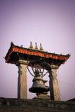 Бронзовый колокол в квадрате Patan Durbar, Непале Стоковое Изображение