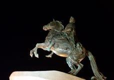 Бронзовый наездник на ноче в Санкт-Петербурге Стоковая Фотография