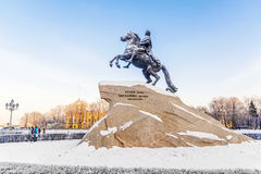 Бронзовый наездник памятник к Питеру большой на Sena Стоковое Фото