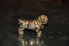 Бронзовый figurine собаки стоковое фото rf