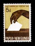 Бросая голосование, сперва общее serie избраний крена, около 1964 стоковое изображение