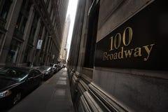 100 Бродвей на более низком Манхаттане Стоковые Фотографии RF