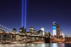 Бруклин Brigde и башни светов Стоковая Фотография