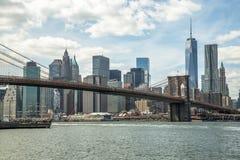 Бруклинский мост горизонта Нью-Йорка Манхэттена Стоковое Изображение RF