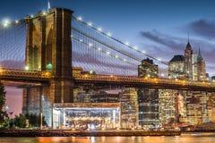 Бруклинский мост на twilight времени, Нью-Йорк Стоковое Изображение RF