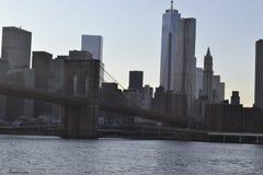Бруклинский мост от Ист-Ривер Стоковое Изображение RF