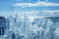 брызгать волны Стоковые Изображения