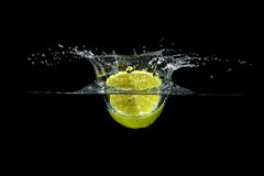 Брызгать лимон Стоковое Изображение