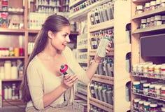 брызг цвета женщины ¿ ï» ходя по магазинам акриловый Стоковые Фотографии RF