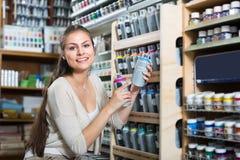 Брызг цвета женщины ходя по магазинам акриловый Стоковые Изображения
