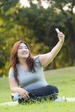 Брюзгливое selfie женщин Стоковое фото RF