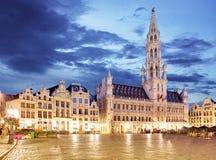 Брюссель - грандиозное место на ноче, никто, Бельгия стоковое изображение