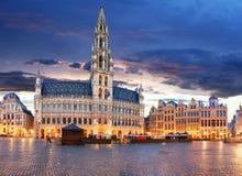 Брюссель - грандиозное место на ноче, никто, Бельгия стоковое изображение rf