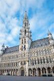 Брюссель - здание ратуши готическое Дворец был построен между 1401 и 1455 и оно место всемирного наследия ЮНЕСКО Стоковое Фото