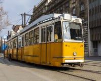 БУДАПЕШТ, ВЕНГРИЯ - ОКОЛО 2016: Европейский трамвай Стоковые Фото