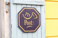 Будапешт/Hungary-09 09 18: Письмо символа почты почтового отделения Венгрии стоковое фото rf