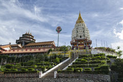 Буддийская китайская архитектура виска Kek Lok Si, расположенная в воздух Itam в Penang, Малайзия Стоковые Фотографии RF