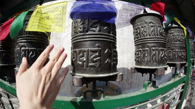 буддийские колеса молитве видеоматериал