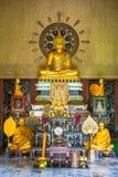 Буддийский алтар в монастыре Религия стоковое изображение