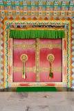 буддийский висок дверей стоковые изображения rf