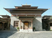 Буддийский монастырь на Samdrup Jongkhar, стоковое фото rf