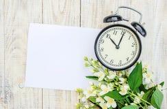 Будильник 10 часов Цветы Стоковое фото RF