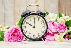 Будильник 10 часов Цветы Стоковое Изображение RF