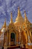 будний день shwedagon pagoda Стоковое фото RF