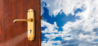 будущее двери открытое к стоковые изображения rf