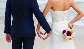 Букет венчания в руке стоковые изображения