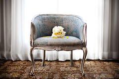 Букет венчания на стуле Стоковые Фото