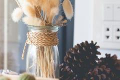Букет высушенных цветков в вазе Стоковое Изображение