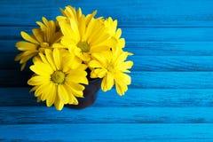 Букет желтых маргариток Стоковые Фото