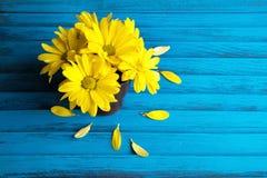 Букет желтых маргариток Стоковая Фотография
