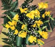 Букет желтых цветков freesia Стоковое Изображение RF