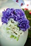 букет звенит венчание Стоковое Фото