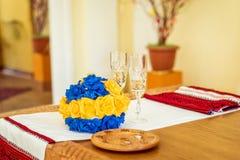 Букет, кольца и стекла шампанского Стоковое Изображение