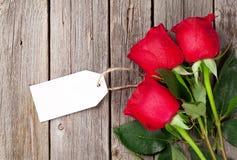 Букет красных роз с биркой Стоковые Изображения RF