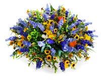 Букет лилий, солнцецветов и радужек Стоковая Фотография RF